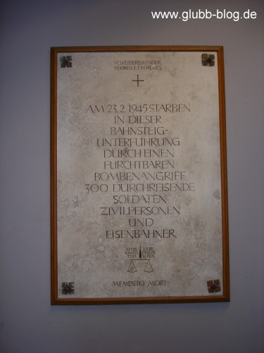 Gedenktafel Treuchtlingen Bahnhof 23.02.1945 300 Tote eines Bombenangriffs