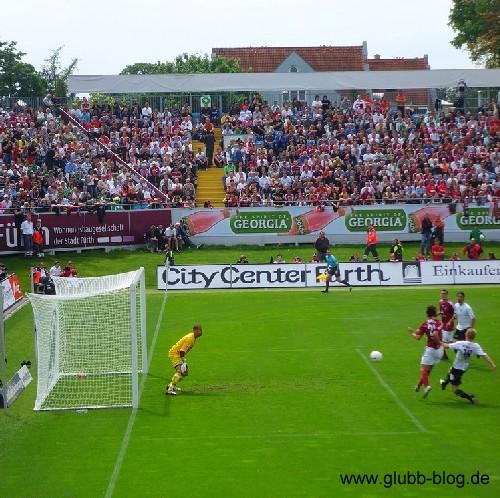 Dario Vidosic Das Tor zum 1:0 für Nürnberg in Fürth