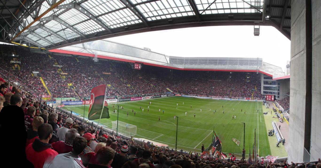 stadionpanorama 1 fc kaiserslautern 1 fc n rnberg 0 2 im fritz walter stadion auf www n. Black Bedroom Furniture Sets. Home Design Ideas