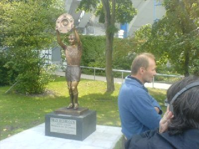 Enthüllung der Max-Morlock-Statue