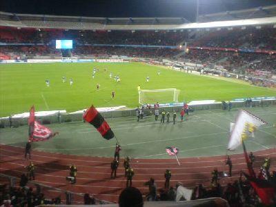 Mintal beim Torjubel auf der Tartanbahn nach dem erlösenden 2:0 gegen den SC Freiburg